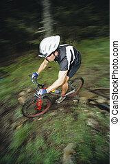 hombre, montaña biking