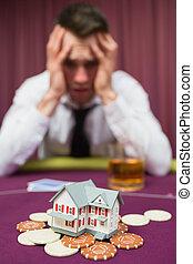 hombre, perder, el suyo, casa, en, casino