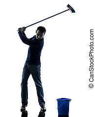 hombre, portero, brooming, limpiador, golfing, silueta, longitud completa