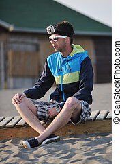 hombre, relajar, en, playa