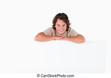 hombre sonriente, reclinado, un, whiteboard