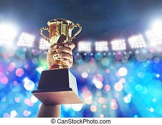 hombre, teniendo arriba, un, un, taza de trofeo de oro, concept.