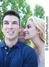 hombre y mujer, decir secretos