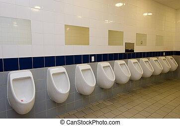 hombres, baño público