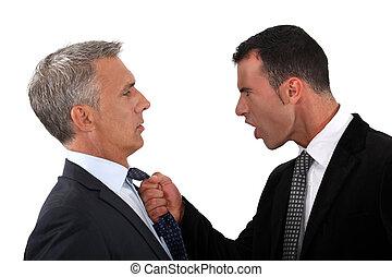 hombres de negocios, lucha