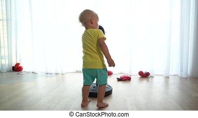 home., ruch, zabawny, niemowlę, utrafiając, gimbal, chłopiec...