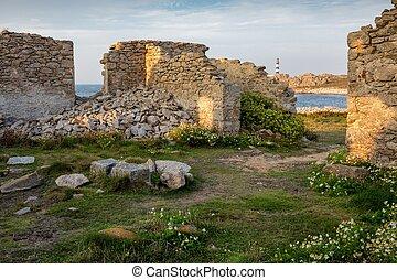 Home ruins in Ushand island