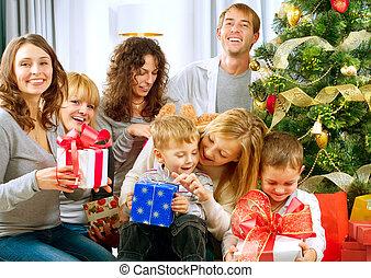 home.christmas, familia , árbol grande, presentes, tenencia, navidad, feliz