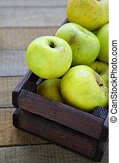 homegrown green apples