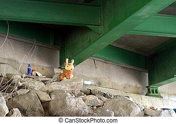 Homeless Home 2 - Sleeping quarters under a road bridge, SE ...