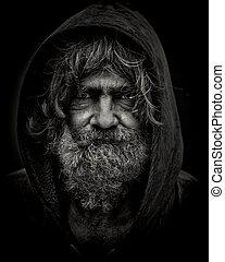 HOMELESS JOHN - B&W portrait of a homeless man