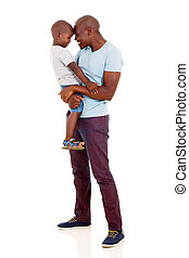 homem africano, carregar, seu, menino