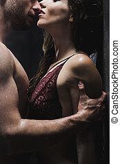 homem, agarrar, amante, braço, com, desejo