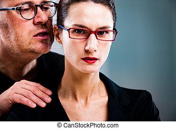 homem, ameaça, woman:, harassments, ligado, a, local trabalho