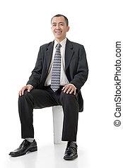 homem, asiático, amigável, negócio, sentar