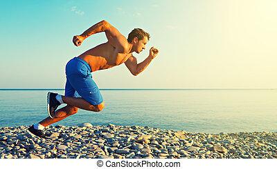 homem, atleta, executando, por, a, mar, em, pôr do sol, ao...