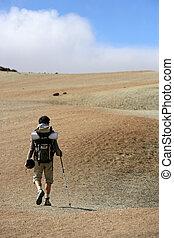 homem, backpacking, em, a, steppe