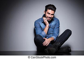 homem, com, barba, sentando