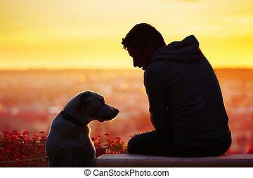 homem, com, cão, em, a, amanhecer