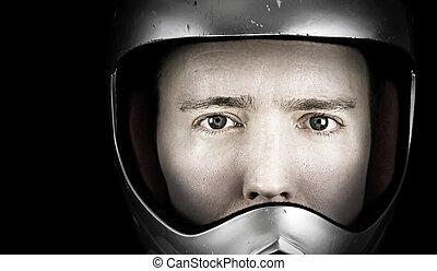 homem, em, capacete ruído elétrico