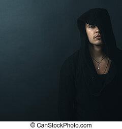 homem, em, pretas, hoodie, transtorne