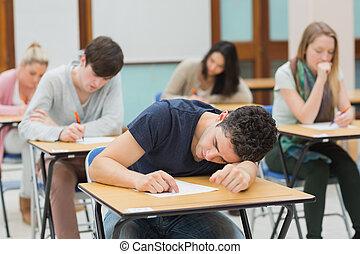 homem, exame, corredor, dormir