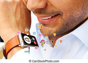 homem, fazendo uma ligação, ligado, um, esperto, relógio