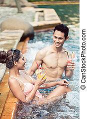 homem, flertar, jovem, natação, trendy, atraente, piscina, mulher