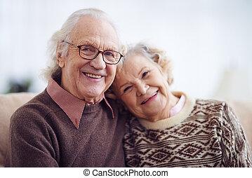homem idoso, e, mulher