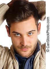 homem jovem, com, olhos azuis