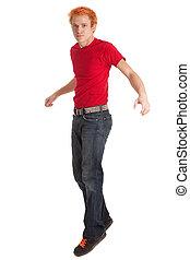 homem jovem, em, camisa vermelha