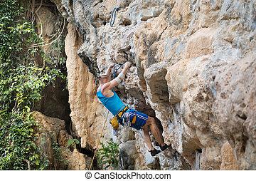 homem jovem, escalar rocha, branco, montanha