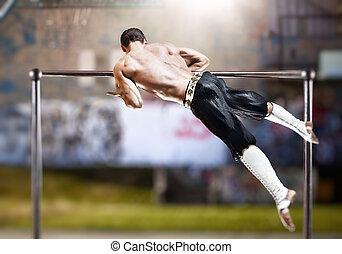 homem jovem, fazendo, esportes, exercícios