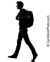 homem jovem, silueta, mochileiro, andar