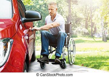 homem, ligado, cadeira rodas, porta carro abertura