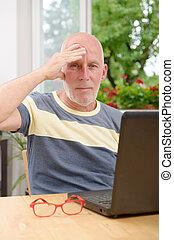 homem, maduras, dor de cabeça