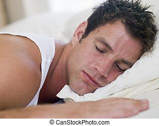 homem, mentindo, cama, dormir