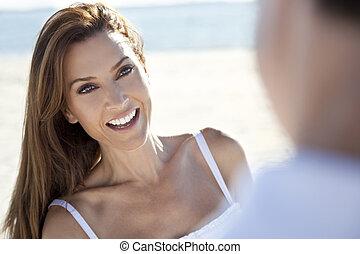 homem, &, mulher, par, rir, ligado, praia