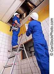 homem mulher, reparar, sistema ventilação