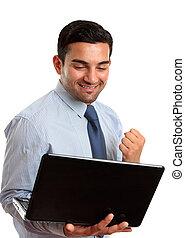 homem negócio, com, computador laptop, sucesso, vitória