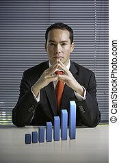 homem negócio, com, um, 3d, mapa crescimento