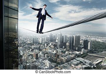 homem negócio, equilibrar, ligado, a, corda