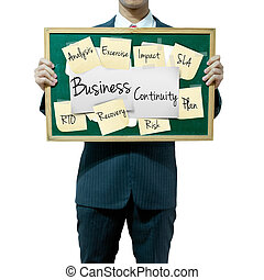 homem negócio, segurando, tábua, ligado, a, fundo, negócio,...