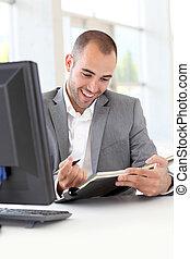 homem negócios, agenda, escritório, escrita