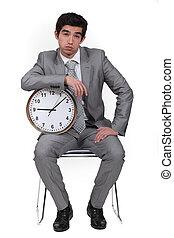homem negócios, alarme, aborrecido, relógio