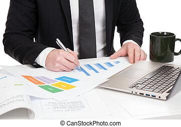 homem negócios, analisar, dados