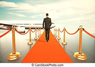 homem negócios, andar, ligado, tapete vermelho, para, a, primeira classe, de, avião