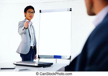 homem negócios, apresentando, reunião, algo, retrato