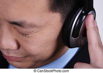 homem negócios, asiático, escutar