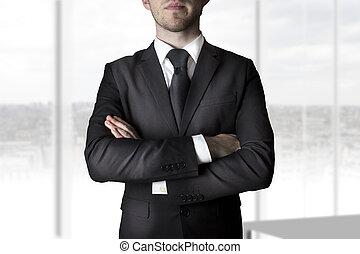 homem negócios, braços cruzados